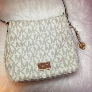 Michael Kors Crossbody Purse ✨